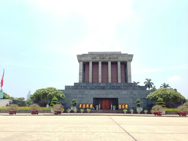 Ho Chi Minh Mausoleum - Hanoi in a day