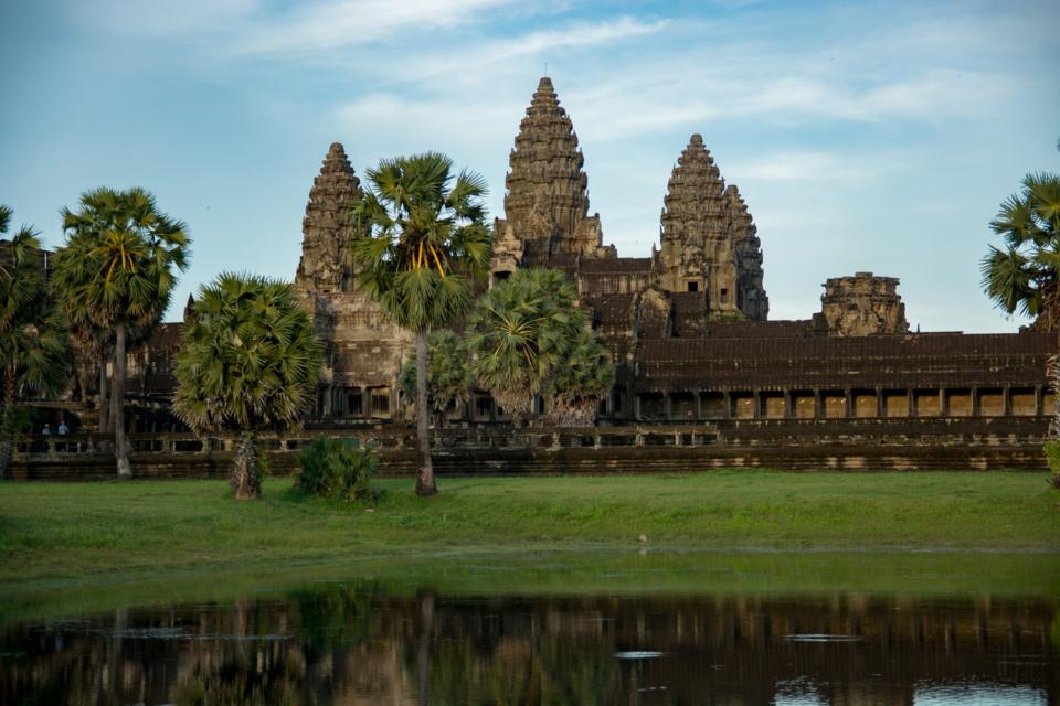 cambodia_angkorwat_01_sm
